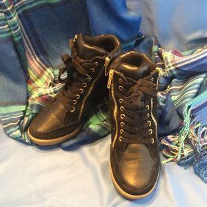 Steve Madden Black Wedge Sneaker